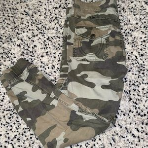 Pants - True religion army fatigue relax fit pants 28
